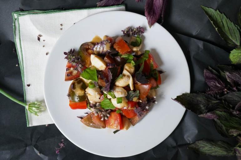 tomato and mozzarella salad